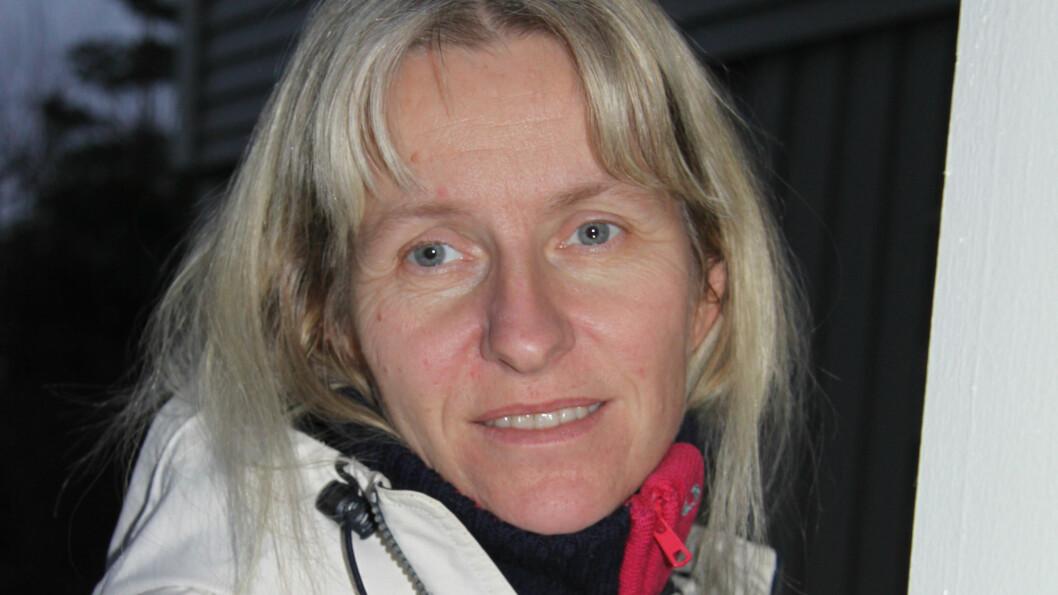 <strong>DØVBLIND:</strong> Berit R. Øie har Usher syndrom, en sjelden tilstand som innebærer medfødt hørselstap og synsproblemer som vil gi blindhet. Foto: Lars O. Gulbrandsen