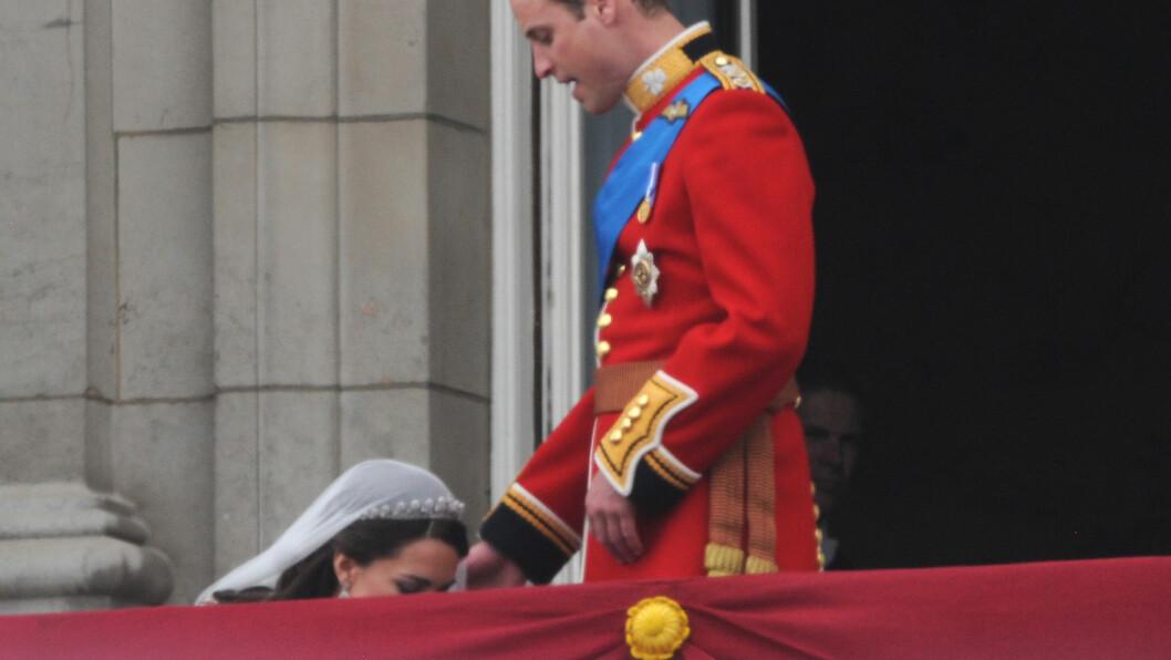 <strong>KATE OG WILLIAM:</strong> For mange i KK-redaksjonen (og mest sannsynlig ellers i verden) er det nettopp dette bildet som sitter best i minne når man tenker tilbake på 29. april 2011 - dagen da Kate Middleton og prins William ble hertug og hertuginne av Cambridge. Foto: NTB Scanpix
