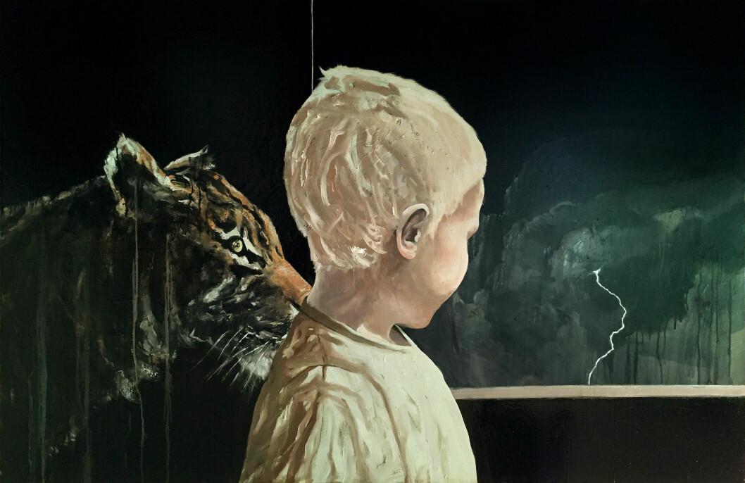 TIGER OG BARN: - Når jeg plasserer tigeren sammen med barn i ulike situasjoner, oppstår det en slags rar stemning. Den kan være en vokter, en trussel, en fantasifigur eller et symbol på en indre nerve, forteller Hvaring. Foto: Alf Christian Hvaring