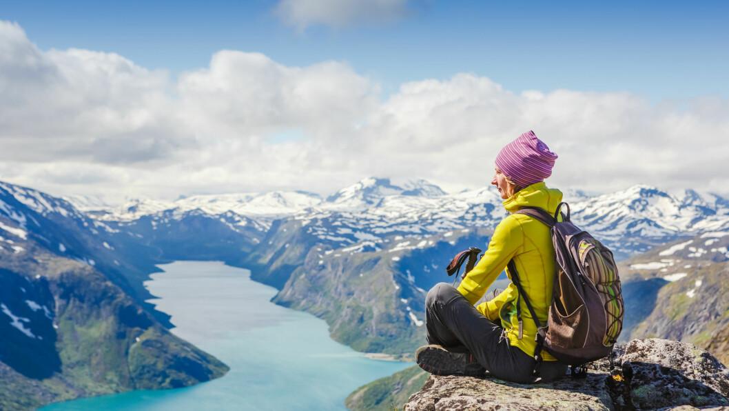 FINN ROEN: Denne helgen kan du blant annet oppleve Camp Villmark på Norges Varemesse i Lillestrøm rett utenfor Oslo - og kanskje du lar deg inspirere til å utnytte den flotte naturen vi har i Norge mer enn du gjør i dag? Her fra Besseggen i Jotunheimen. Foto: NTB Scanpix