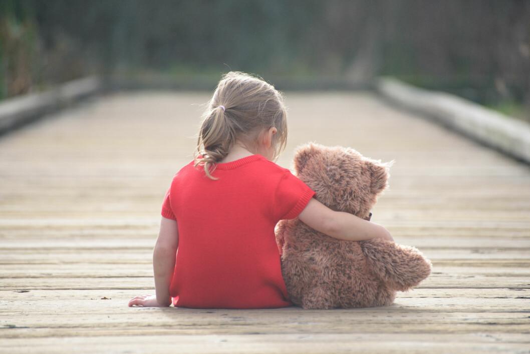 <strong>FØLTE DU DEG LITE ELSKET SOM BARN?:</strong> Det er noe man veldig ofte tar med seg inn i det voksne liv.  Foto: Shutterstock / Podlesnyak Nina