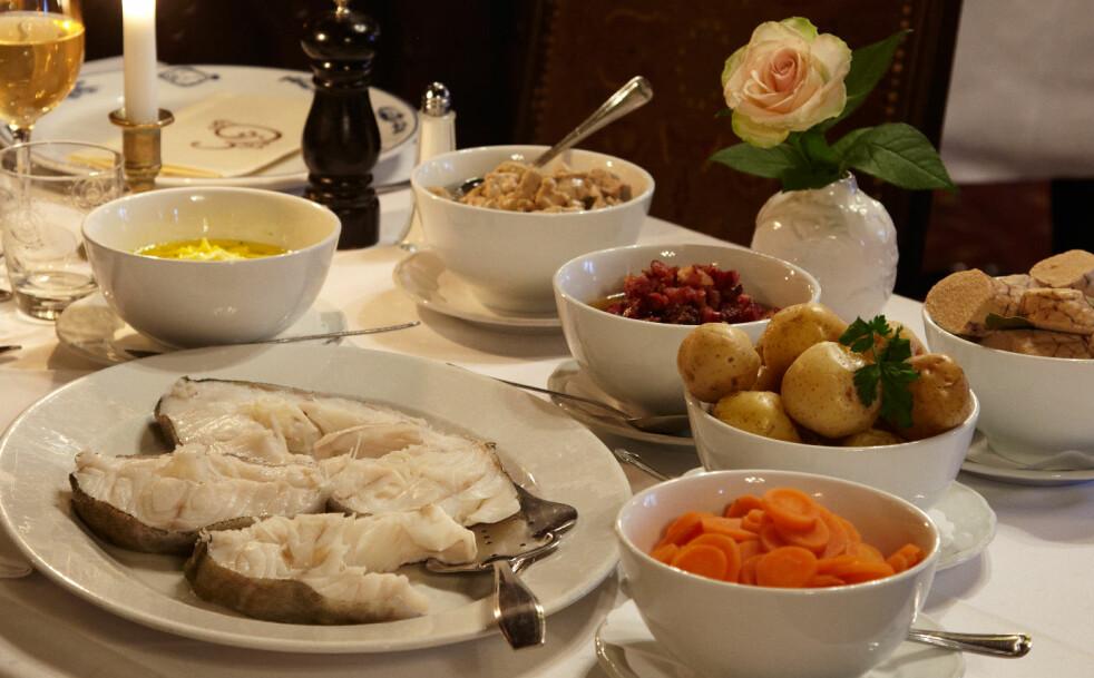 Festmåltid: Skrei med lever og rogn kalles skreimølje og det er slik det serveres i Lofoten. Mange foretrekker eggesmør eller bacon som tilbehør. Foto: Synøve Dreyer