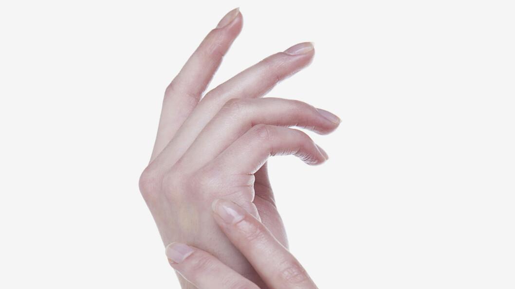 """<strong>KNEKK:</strong> Å """"knekke knokene"""" gjør ofte at det kommer en ekkel lyd. Men gjør du det for ofte, kan det gi deg skader i leddene. Foto: © Jimin & Hyerim/TongRo Images/Corbis"""