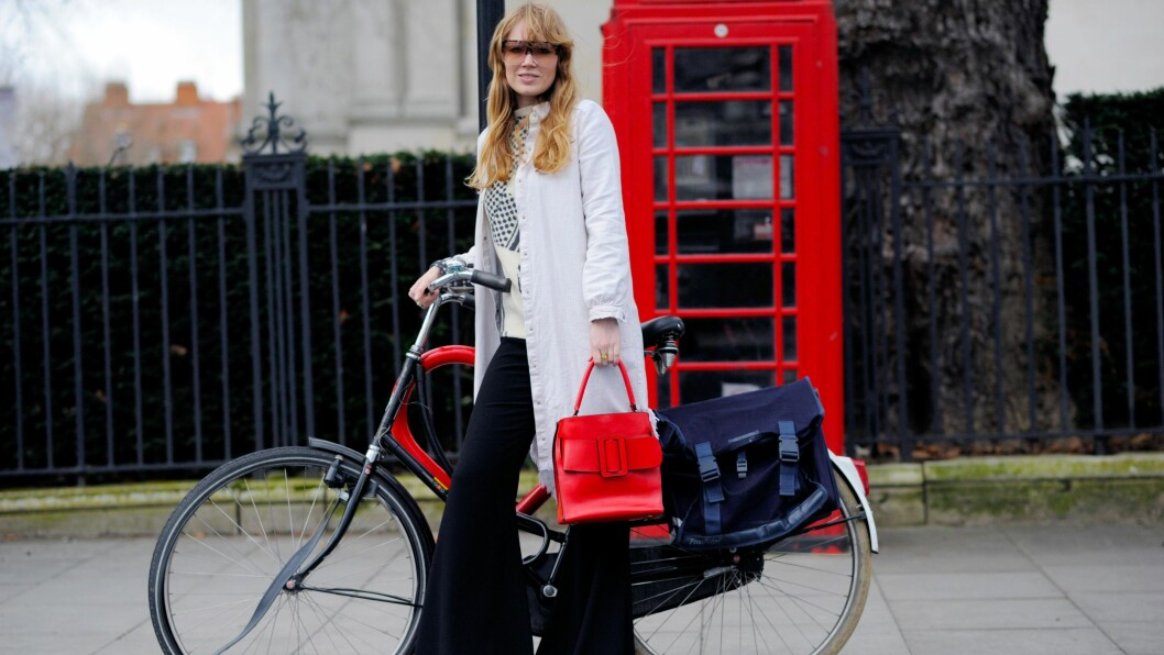 LONDON FASHION WEEK: Sjekk ut streetstyle-antrekkene som har inspirert oss under moteuken i London. Foto: Rex Features