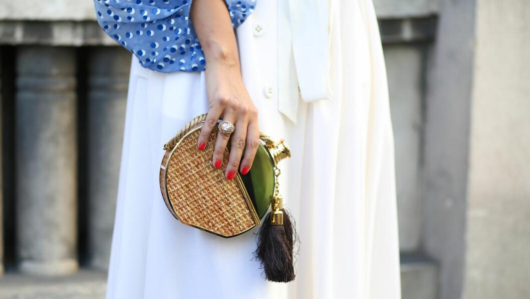 VESKEN: Sjekk ut denne lekre vesken som setter prikken over i'en ved dette antrekket! Foto: Scanpix