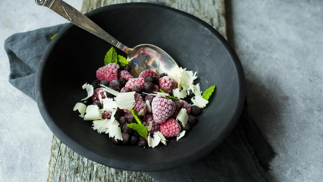 BÆR: Bær, som bringebær, kan du spise nesten så mye du vil av - pluss at det er supersunt! Foto: VG/Sara Johannessen/Scanpix