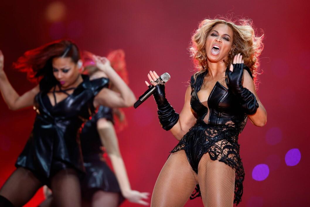 <strong>FJERNET:</strong> Beyoncés management gikk hardt ut for å fjerne «lite flatterende» bilder av sangeren fra Super Bowl-opptredenen. Foto: Afp