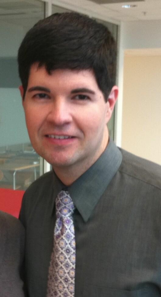 Christian Jurist er lege og spesialist innen dermatologi, estetisk medisin, kosmetisk kjemi og ingrediensteknologi. Han er dessuten tilknyttet selskapet Pevonia og er med i det globale nettverket International Union of Aesthetic Medicine.