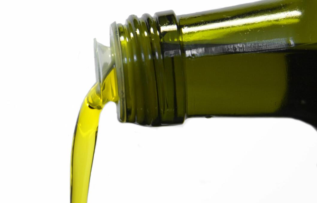 KJØP EN TIL BADET OGSÅ: Det er minst åtte gode grunner til å ha olivenoljen stående på badet.  Foto: Pawel Kryj