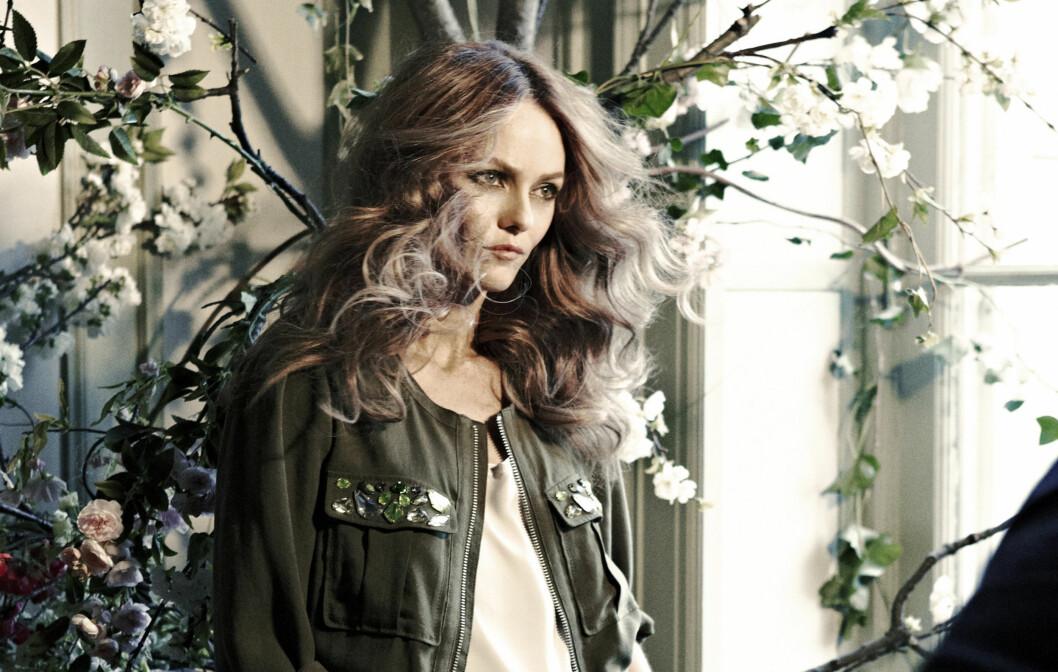 FRONTER NY KOLLEKSJON: Franske Vanessa Paradis fronter H&Ms nye Conscious-kolleksjon, som kommer i butikker og på nett fra 18. mars.  Foto: H&M