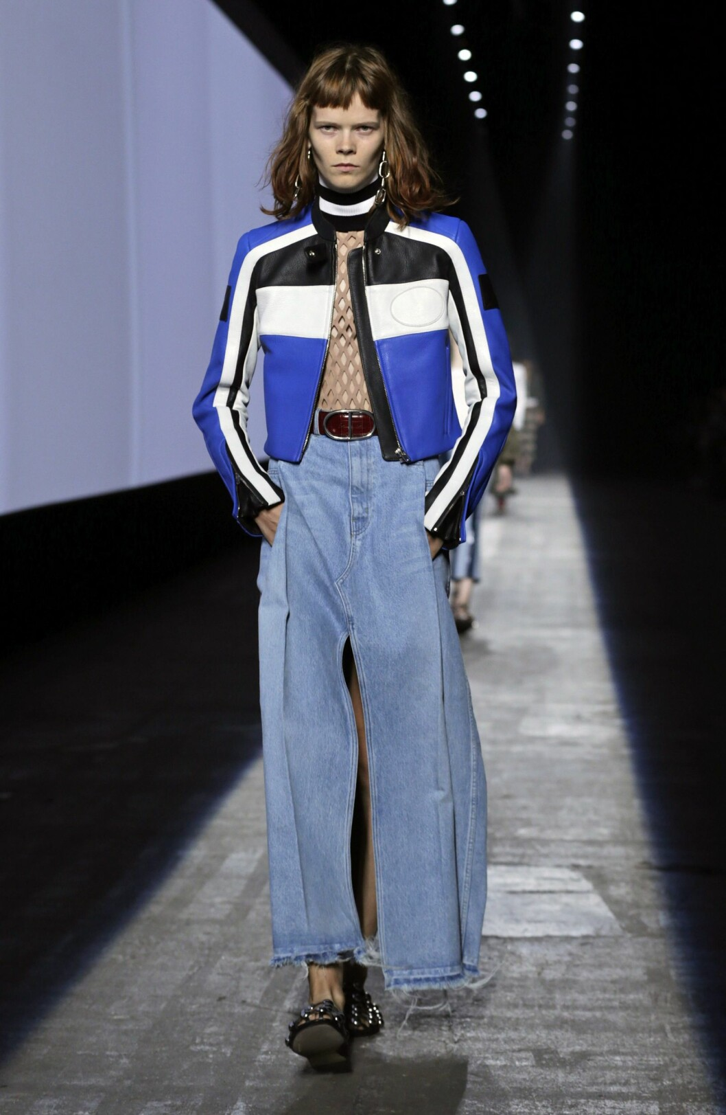 epa04928194 A model presents a creation from the Spring 2016 collection by Alexander Wang, during New York Fashion Week in New York, New York, USA, 12 September 2015. The Spring 2016 collections are presented from 10 to 17 September.  EPA/PETER FOLEY Foto: Epa