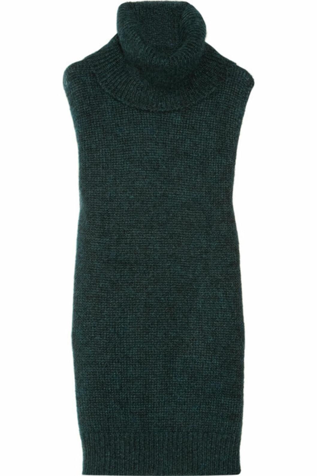<strong>GENSER, VEST OG KJOLE:</strong> Flaskegrønn strikk med høy hals fra Vanessa Bruno i 61 prosent mohair og 31 prosent polyamid og 8 prosent ull (ca kr.1730/Net-a-porter.com). Foto: Produsenten