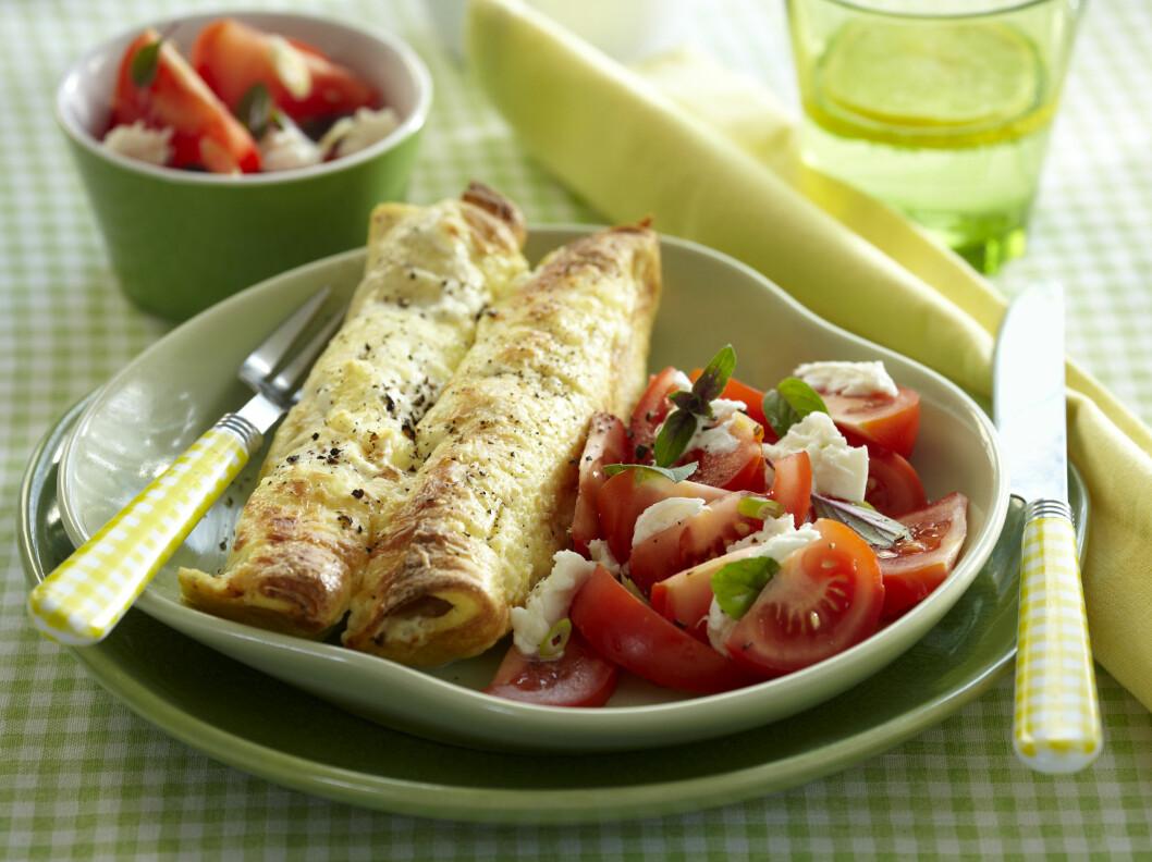 CANNELLONI: Lag gjerne en enkel salat ved siden av. Det gjør smekn litt friskere. Foto: All Over Press