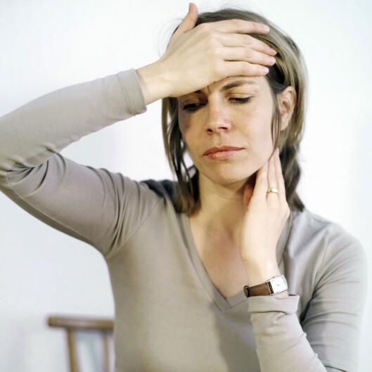 GIR FEBER: De vanligste symptomet på kusma er feber og hevelser i spyttkjertlene. Dette kan også være tegn på en rekke andre sykdommer, så det er viktig å komme seg til legen og sjekke hva det er du har.  Foto: Scanpix