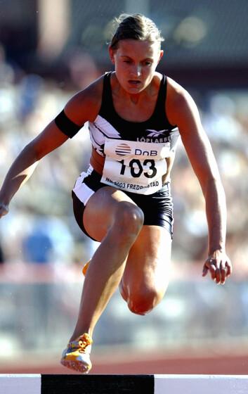 EKSPERTEN: Den tidligere friidrettsutøveren Hanne Lyngstad er overbevist om at trening - uansett når på døgnet - er godt for søvnen. Dette bildet er fra 2003. I dag jobber hun som løpeekspert i adidas AS. Foto: NTB scanpix