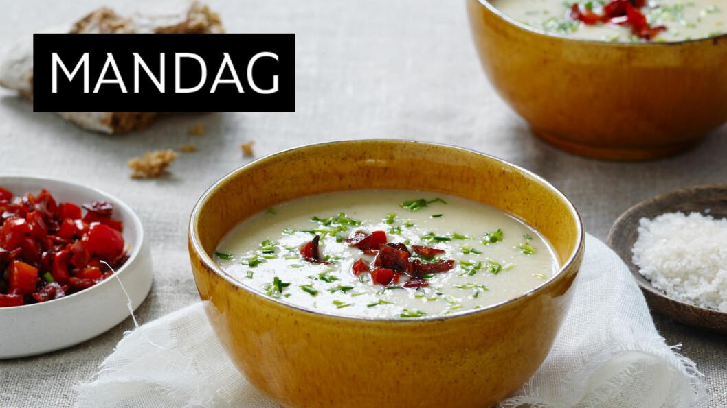 POTETSUPPE: Suppe laget av poteter får en deilig, kremete konsistens. Derfor er det godt med litt sprøtt på toppen. Foto: Henrik Freek Christensen