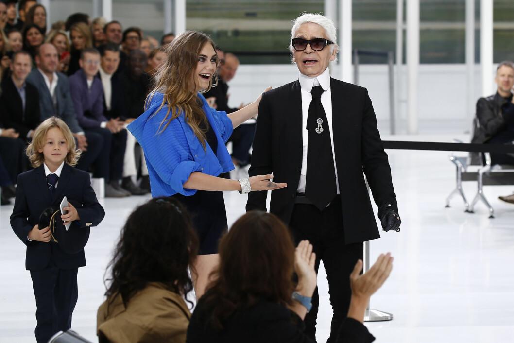 CHANEL: Cara Delevingne (23) og Karl Lagerfeld (82). Foto: Reuters
