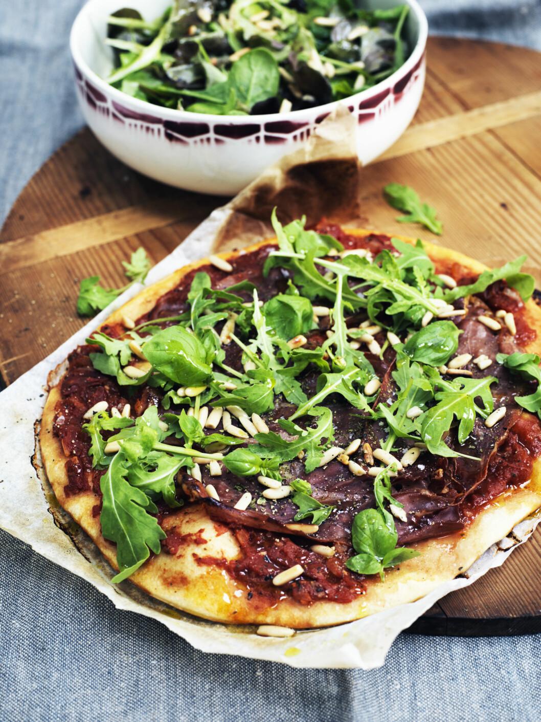 TIPS: Pizza på forvarmede stekeplater får ekstra sprø Foto: Columbus Leth