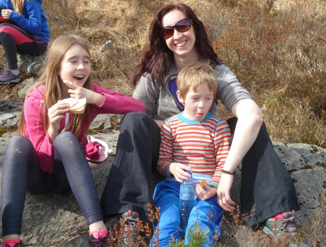 PÅ TUR: Barna Elisabeth og Daniel blir gjerne med mamma Maria på tur. Foto: Privat