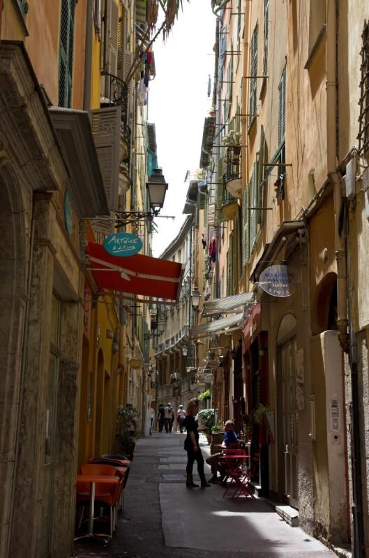 Sjarmerende: I den gamle bydelen, Vieux Nice, finner du kunstgallerier, spesialbutikker og delikatesseforretninger, så shoppemulighetene er gode! Foto: Jytte Boch