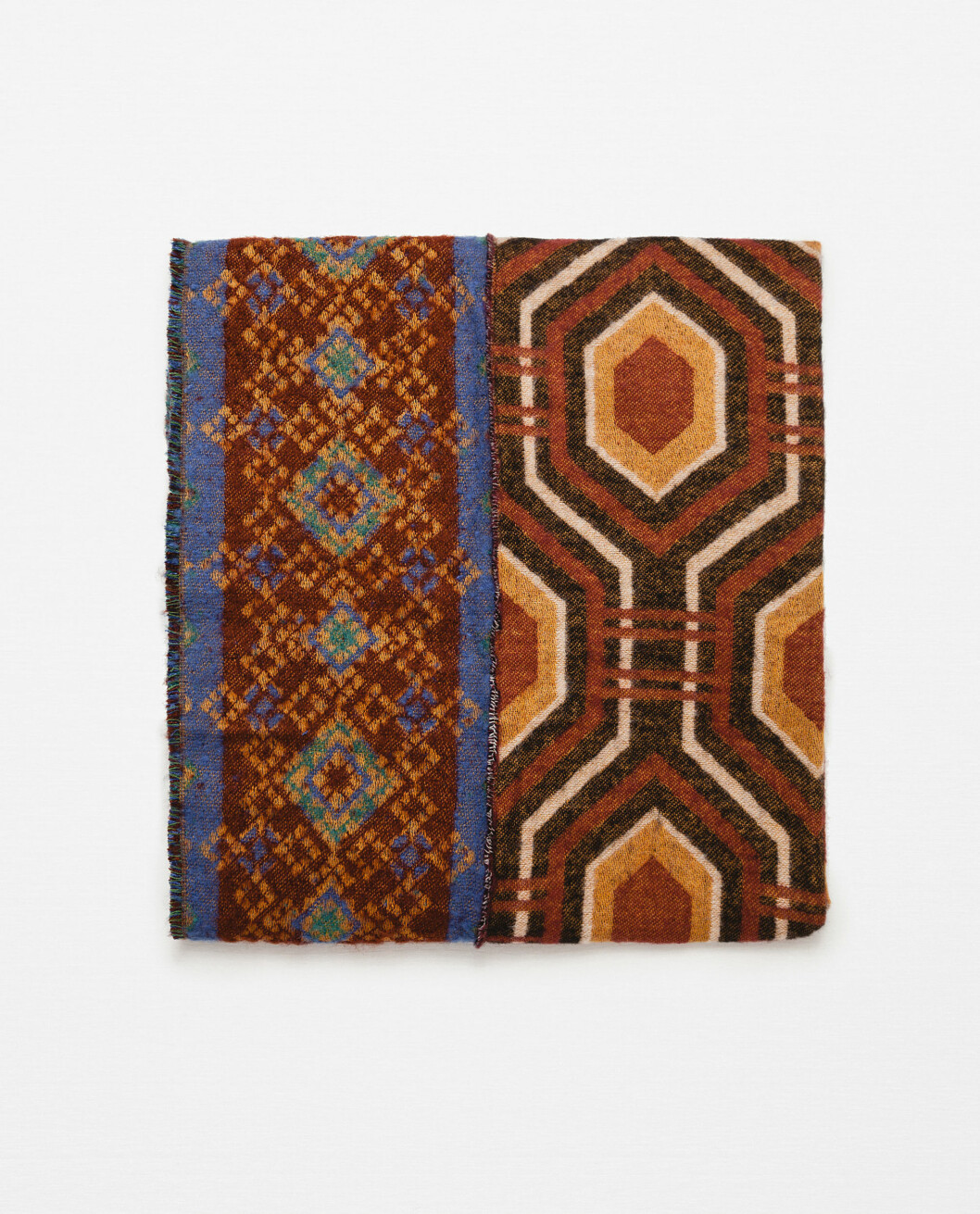 Mønstrete skjerf fra Zara, kr 299 Foto: Produsenten
