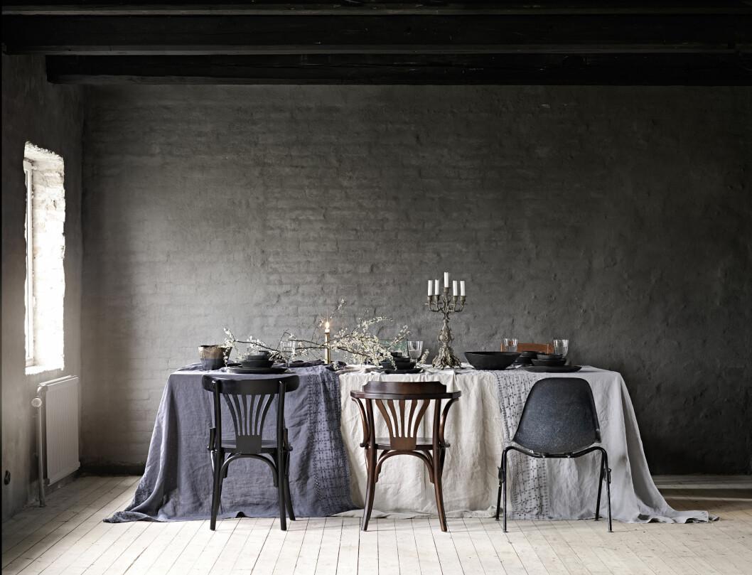 GRANIT: Stolene er vintage og kjøpt på nettauksjonsstedet Lauritz.com. Foto: Sara Svenningsrud