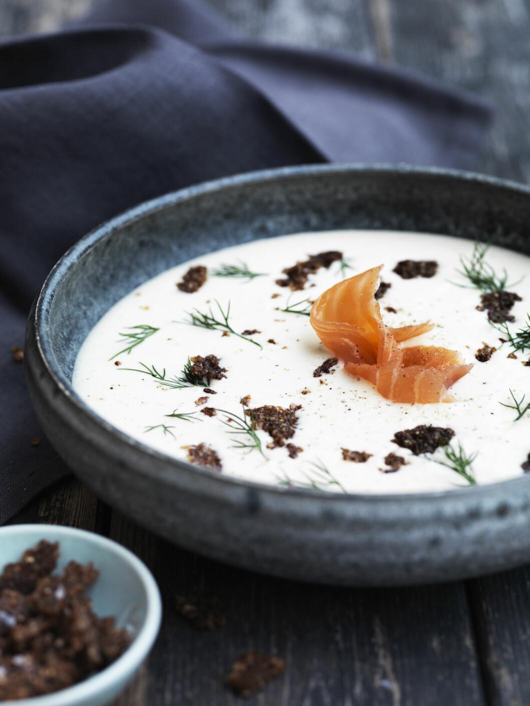 POTETSUPPE: Denne suppen tar under en halvtime å lage og ser fin ut servert - perfekt om du skal ha selskap. Foto: All Over Press