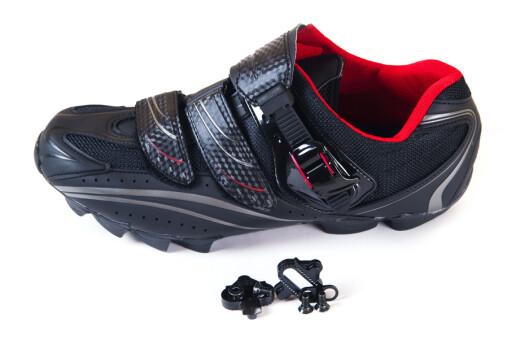 TRENGER IKKE VELGE DE DYRESTE: Dersom du er nybegynner kan du fint velge noen billige sko.  Foto: Renewer - Fotolia