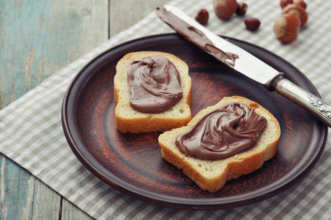 UNNGÅ SØTE PÅLEGG: Det er ikke særlig heldig å starte dagen med lyst brød og nugatti. Dette får du spare til helgen!  Foto: tashka2000 - Fotolia