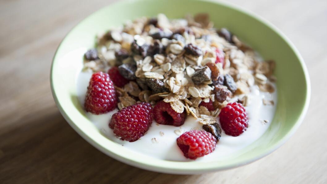 <strong>KVELDSMATEN SOM GJØR DEG SØVNIG:</strong> Ifølge Tine Mejlbo Sundfør, som er klinisk ernæringsfysiolog ved Synergi Helse, kan mat og søvn ha en sammenheng, spesielt når du spiser et måltid bestående av tryptofan, som finner vi i proteinrik mat, og karbohydrater. Foto: Scanpix