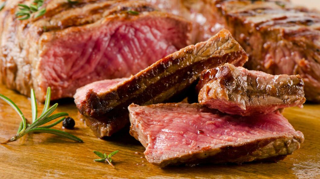 VILTKJØTT: Viltkjøtt smaker utrolig godt om høsten, men vær forsiktig med hvor mye du spiser. Kjøtt fra enkelte dyr kan nemlig inneholde bly.  Foto: bit24 - Fotolia
