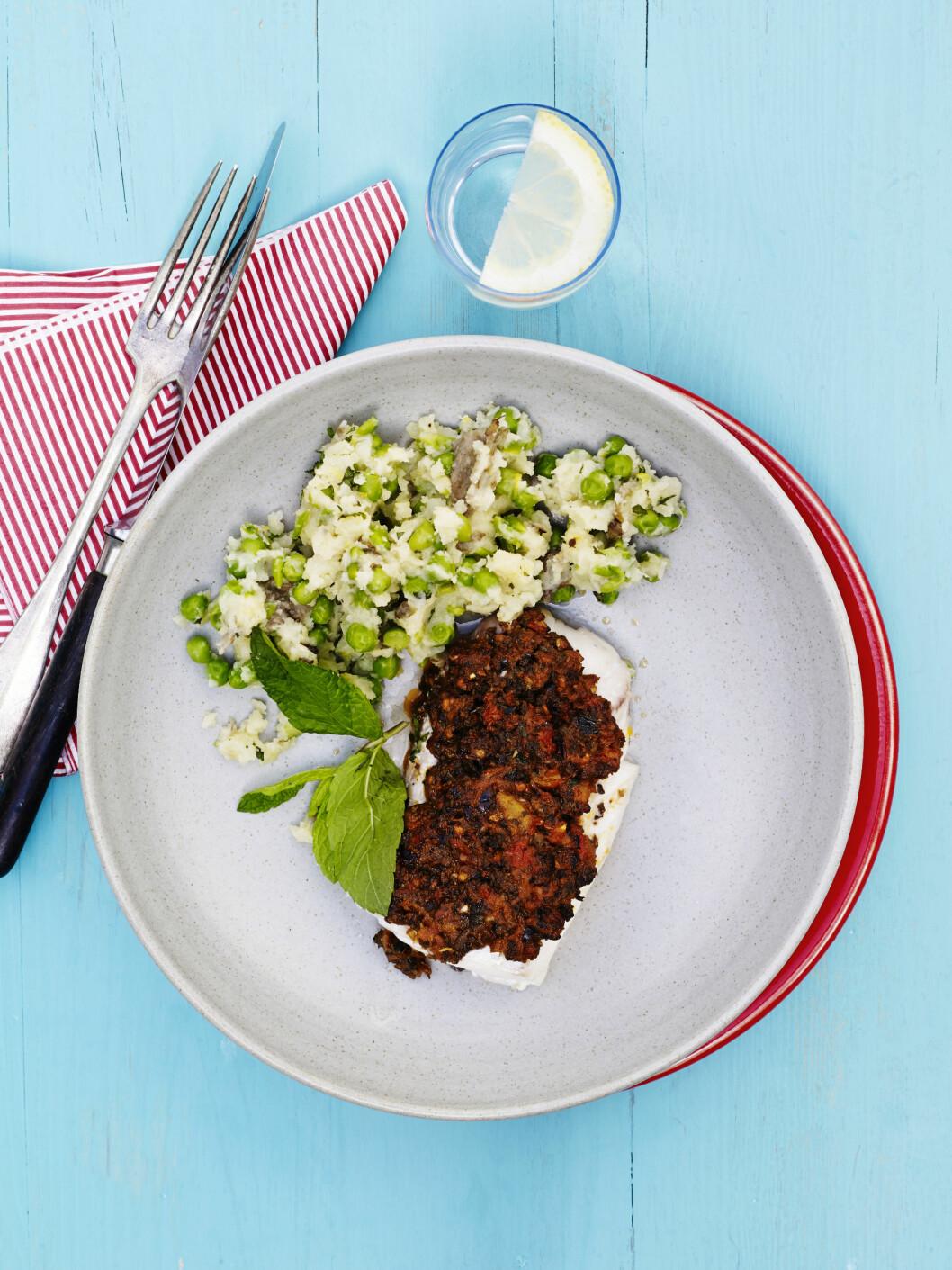 <strong>LEKKER TAPENADE:</strong> Tapendade med oliven, tomater og hvitløk blir helt lekkert. Foto: All Over Press