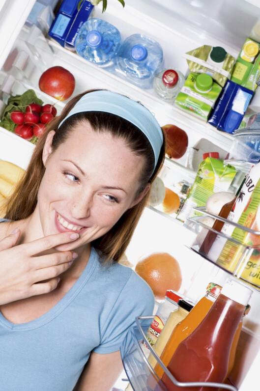 <strong>VELG NOE SUNT:</strong> Det er best å velge noe sunt hvis du skal spise rett før sengetid.  Foto: Scanpix