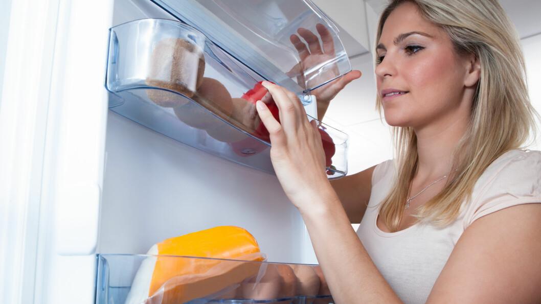 <strong>SULTEN FØR LEGGETID:</strong> Dersom du ofte blir sulten før leggetid bør du spise noe som inneholder gode proteiner, sunt fett og langsomme karbohydrater.  Foto: apops - Fotolia