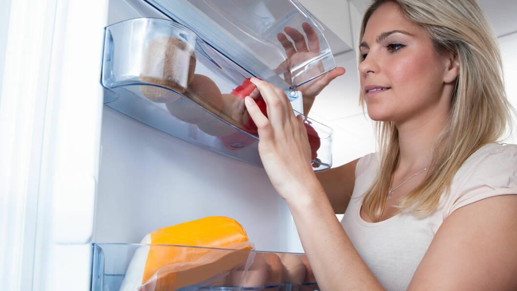 SULTEN FØR LEGGETID: Dersom du ofte blir sulten før leggetid bør du spise noe som inneholder gode proteiner, sunt fett og langsomme karbohydrater.  Foto: apops - Fotolia