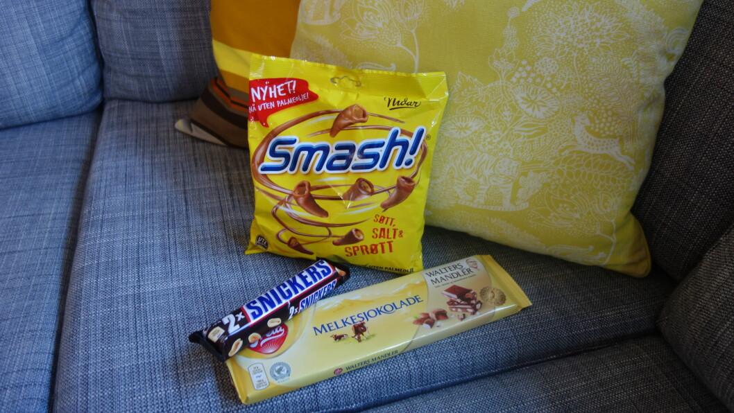 ER BÅDE SALT, SØT OG FET - OG VI BARE MÅ HA MER OG MER: Skal du kose deg med saltsøt sjokolade i sofaen ikveld, kan du regne med at den går unna - på null komma niks. Foto: Cecilie Leganger