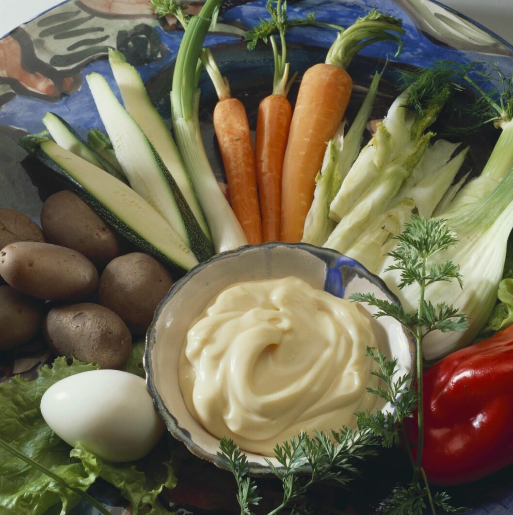KLASSIKER: Å bytte ut potetgullet med grønnsaker er en klassiker.  Foto: Scanpix