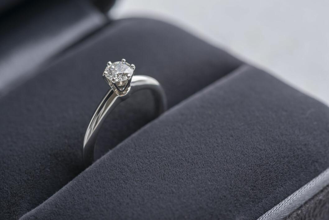 TENK DEG GODT OM: Før du forteller partneren din at du ønsker å bytte ringen anbefaler eksperten deg å spørre deg selv om dette er en ring du kan lære deg å like eller ikke.  Foto: kei u - Fotolia