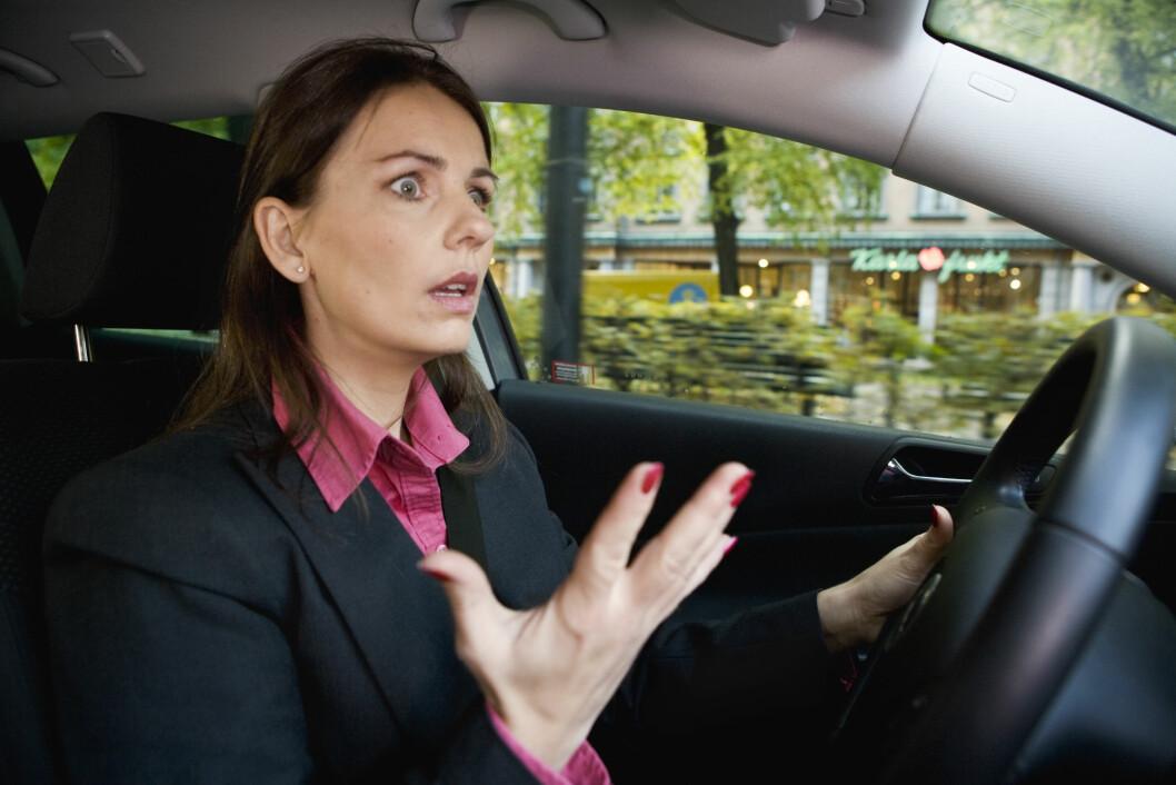 I BILEN: Å stadig irritere seg over andre bilister er noe man selv velger å gjøre. Foto: Scanpix