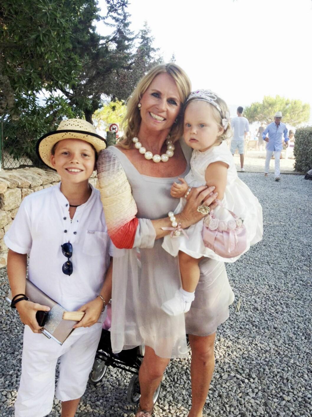 ELLEN ARNSTAD: Her med sine to yngste barn, Alexander (13) og Gabrielle Margrete (3). Foto: Privat