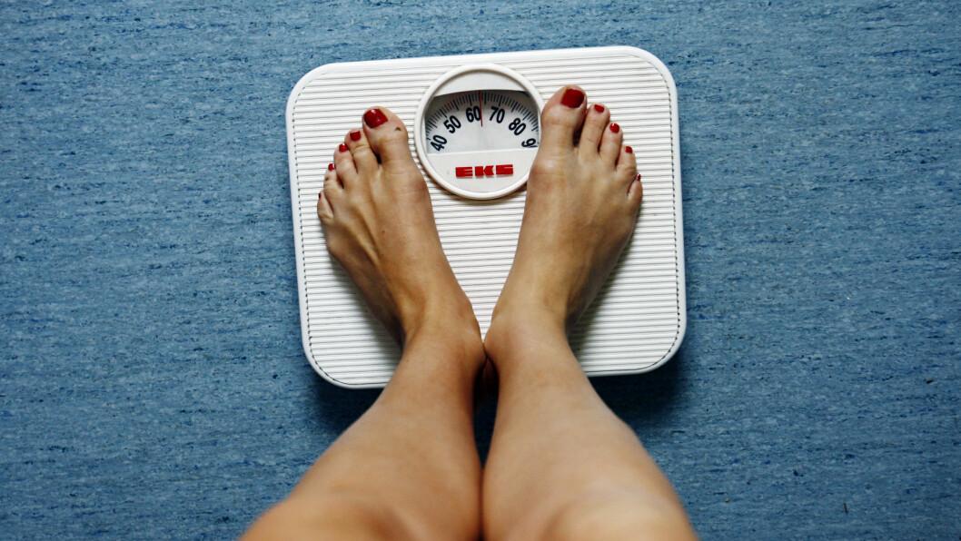 VÆR LITT BEVISST:  Det er fullt mulig å kose seg i ferien uten å gå opp i vekt. Da lønner det seg bare å være litt obs på mat- og drikkeinntaket, pluss være litt i fysisk aktivitet.  Foto: NTB scanpix