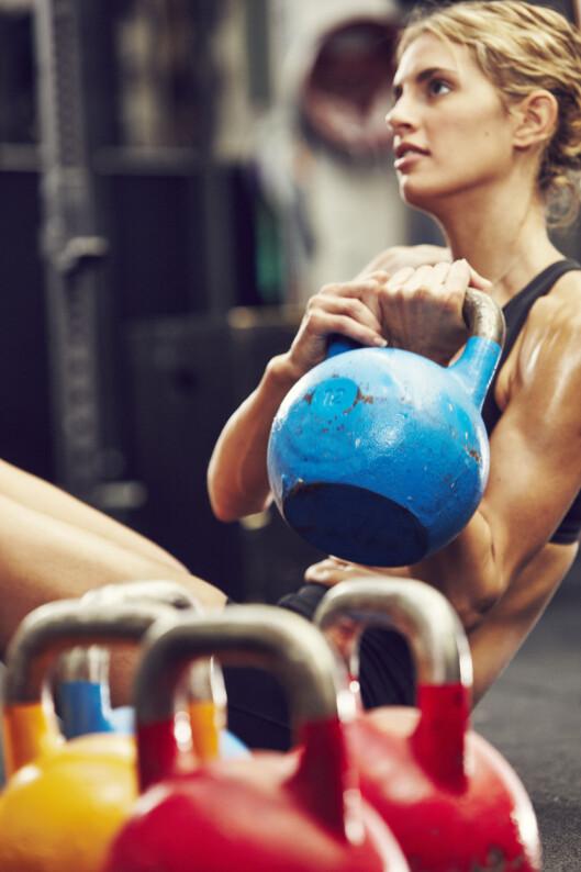 BESATT: Blir treningen for intens kan det føre til at hormonproduksjonen stopper opp og mensen uteblir.  Foto: Johan Alp/Scanpix NTB