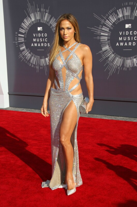 45 ÅR OG SUPERHOT: Jennifer Lopez har en kropp mange 45-åringer misunner henne.  Foto: REX/Jim Smeal/BEI/All Over Press