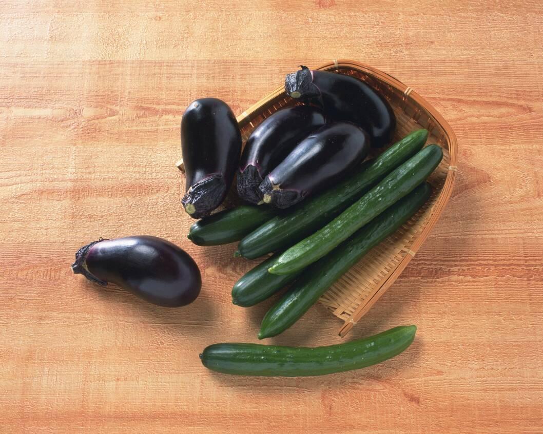 MINDRE NÆRING: Ifølge ekspertene er både agurk, aubergine, reddik, squash og sjampinjong grønnsaker som inneholder svært få næringsstoffer. Foto: Scanpix/NTB