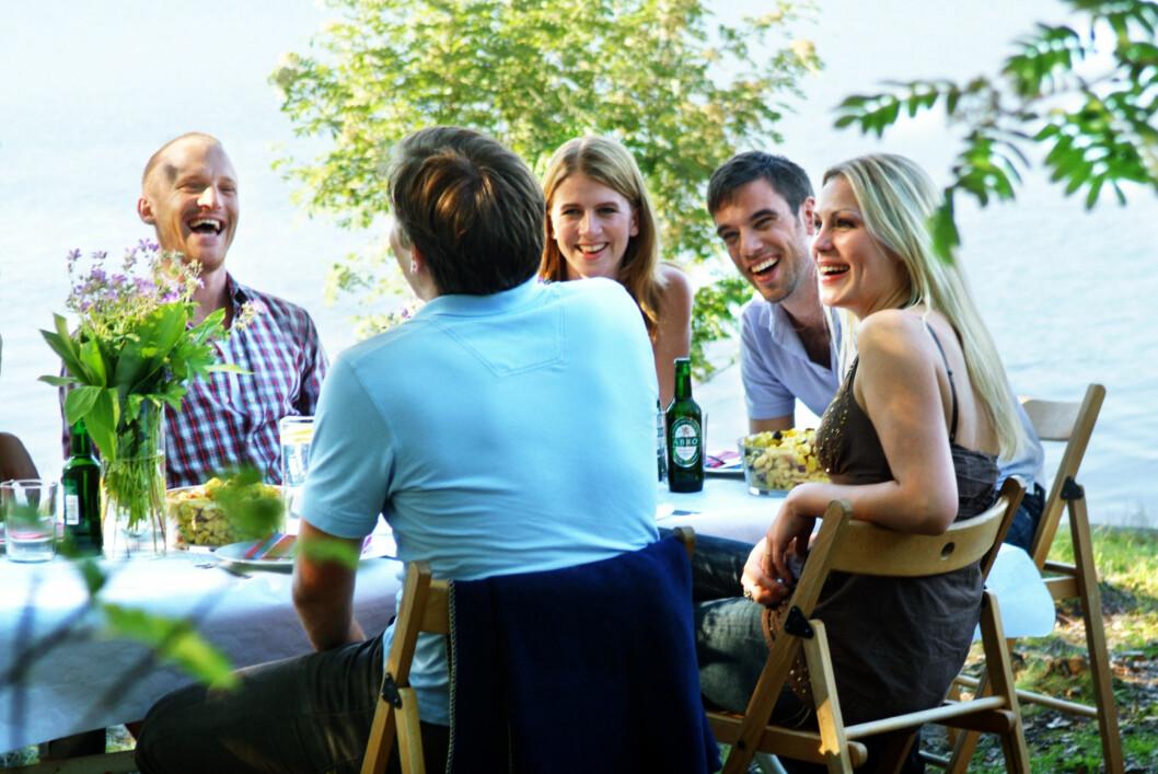 MIDDDAGSSELSKAP: Sosiale settinger som dette, blir ofte vanskelig for en person med spiseforstyrrelser.  Foto: NTB Scanpix
