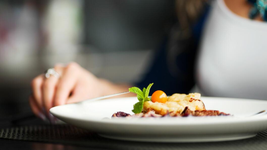 SPISEFORSTYRRELSER: Tenker du på mat 30-40 prosent av tiden, kan det være et tegn på at du har et problem.  Foto: NTB Scanpix