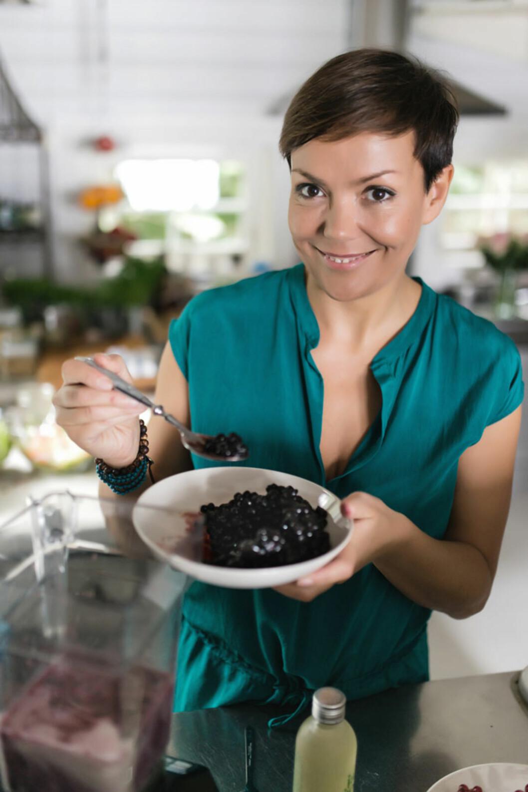 <strong>ENTUSIAST:</strong> Trine Berge er en av Norges fremste livsstilsveiledere innen supermat og raw food, og er medforfatter av flere bøker innenfor området. Foto: Trine Berge, Cappelen Damm