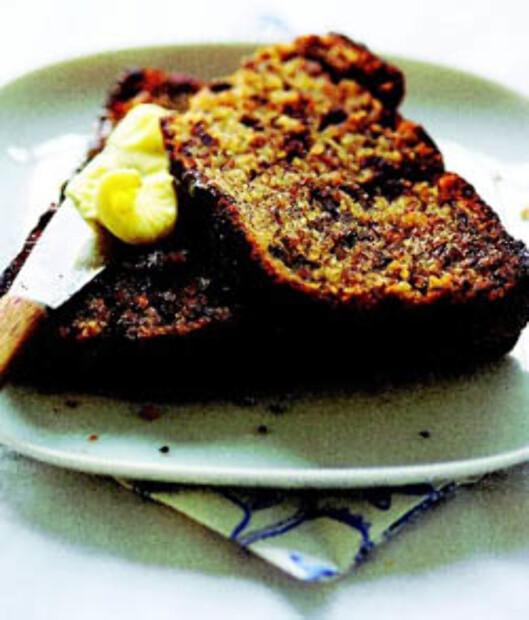 BANANBRØD: Du kan droppe sukkeret til fordel for godt moden banan når du baker, så får du en litt sunnere bakst som fortsatt smaker søtt og godt.