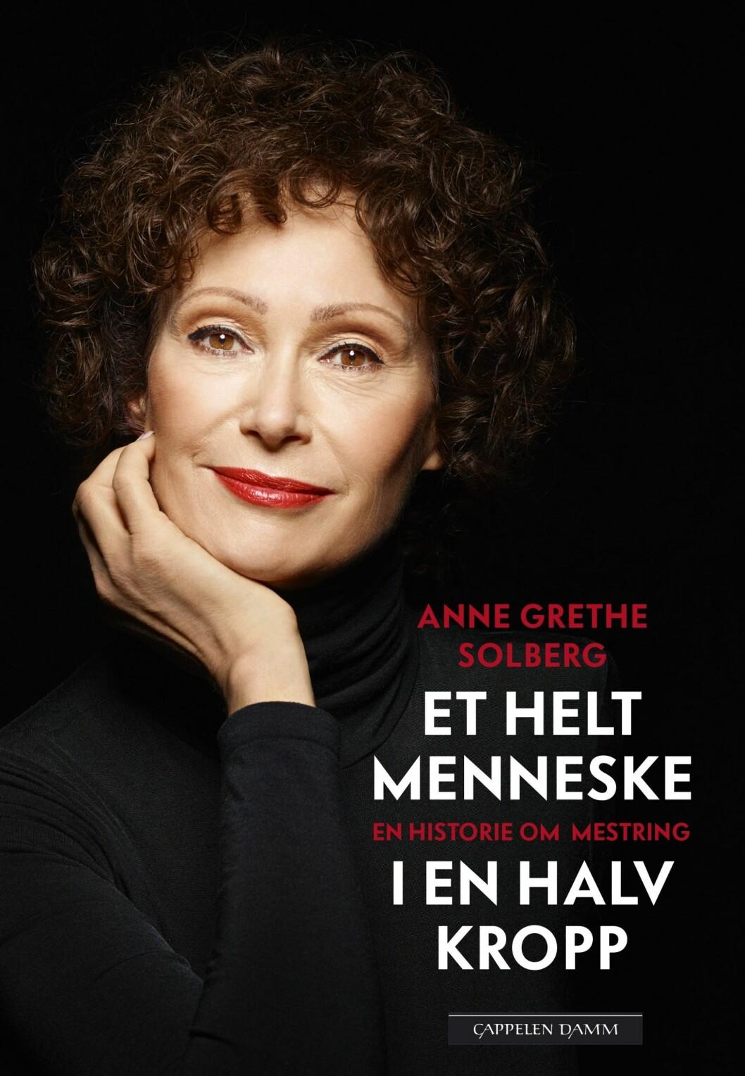 TIL INSPIRASJON: – Boken skal være til inspirasjon. Jeg har, i tillegg til historien min, skrevet om ti mestringsstrategier når livet butter, sier Anne Grethe.