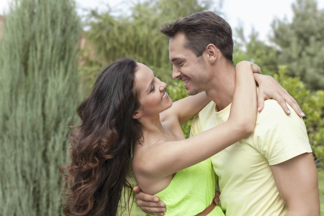 LYKKERUS: Ved forelskelse skiller kroppen ut hormoner som gjør at vi knytter bånd, og føler et sterkt begjær. Og du vil gjerne tro at han passer bedre sammen med deg enn med hans ekser. Foto: Mood Board/REX/All Over Press